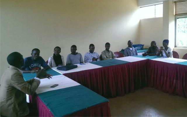 deafnet-training-beekeepers-in-uganda