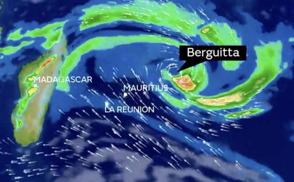 Alert: tropical cyclone berguitta heading to mauritius and reunion